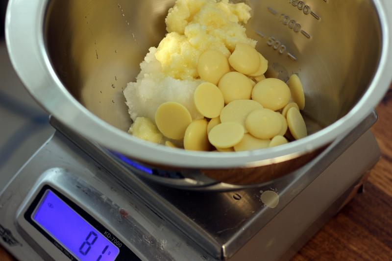 Savon tarte à la citrouille: faire fondre les huiles solides