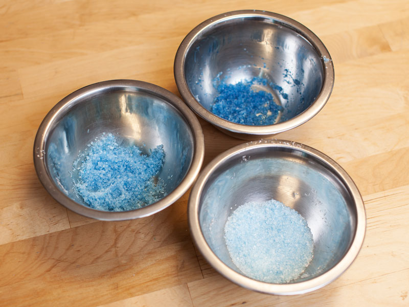 making bath bombs at home