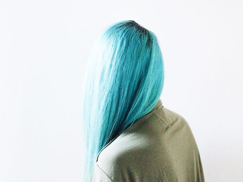 Soin naturel cheveux colorés